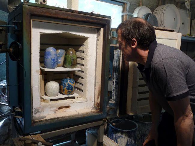Die Keramikwerke von Guillaume Common in Forcalquier