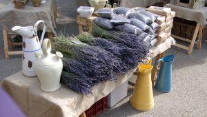Eine Spritztour zu den schönsten Märkten der Provence
