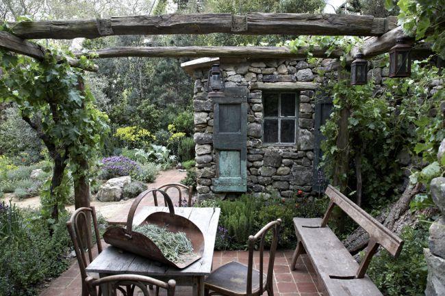 LOccitane immortelle garden