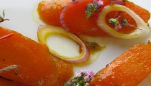 Glazed Carrots with Saffron and Thyme