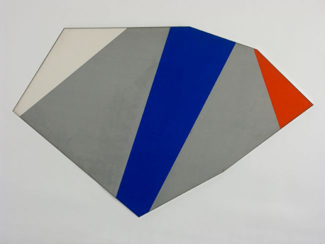 A minimalist composition by Kenneth Noland