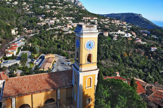 Eze: The Charming Village That Crowns the Côte d'Azur!