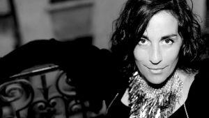 Rumbo hacia el universo lunático y poético de Valérie Ciccarelli