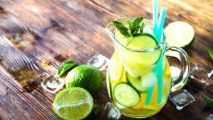 3 recetas de agua desintoxicante para preparar durante el verano
