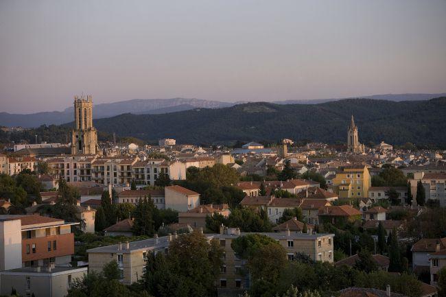 Un bocal d'air de Provence vendu aux enchères par un artiste chinois!