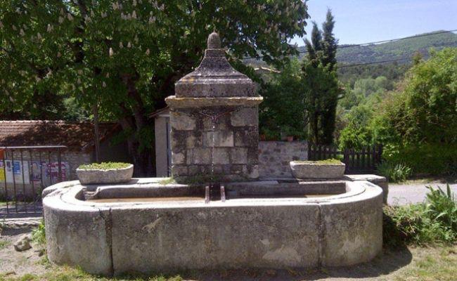 La fontaine de Revest de Brousse