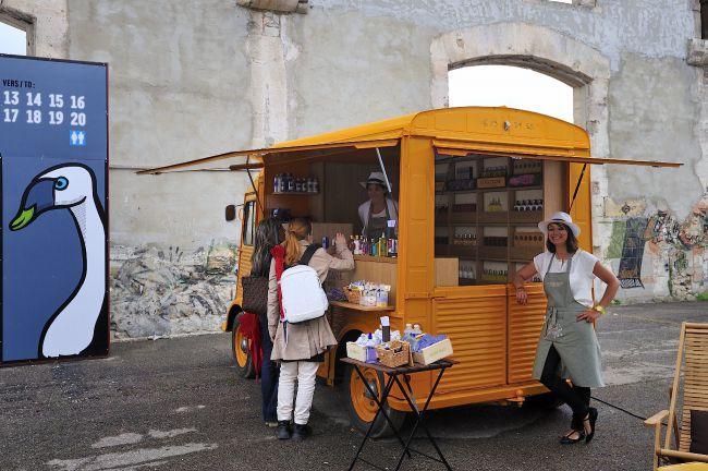 L'Occitube: le petit camion jaune du bien-être