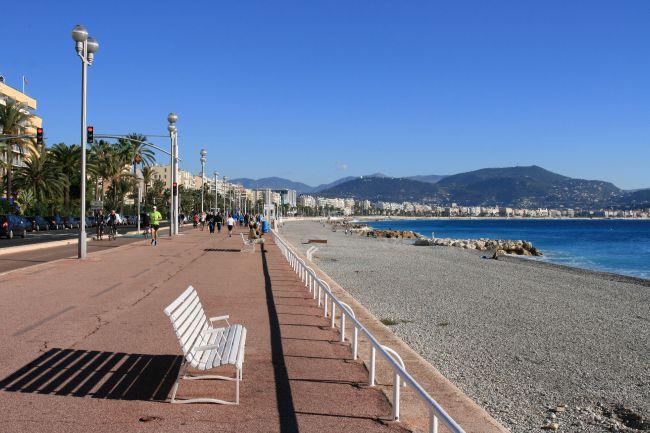 Face à la baie des Anges à Nice
