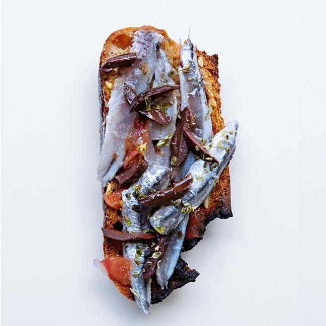 Tartine aux anchois frais