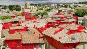 Felice Varini : de l'art grandeur nature sur les toits de Salon-de-Provence