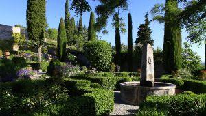 Le jardin du Prieuré de Saint-Michel, joyau de verdure