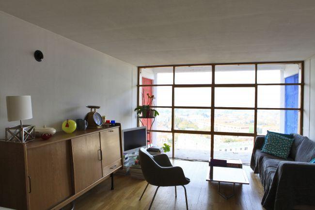 les maisons de r ve le bar page 2. Black Bedroom Furniture Sets. Home Design Ideas