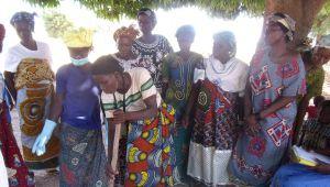 Les salariés de L'OCCITANE s'engagent pour les femmes du Burkina Faso