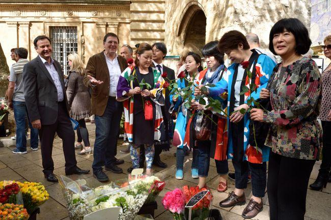 L'OCCITANE poursuit son engagement auprès des artisans japonais