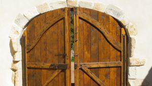サン・レミ・ド・プロヴァンスで蘇る古い扉