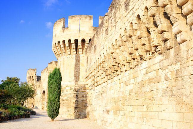 アヴィニョンの城壁沿いのコース