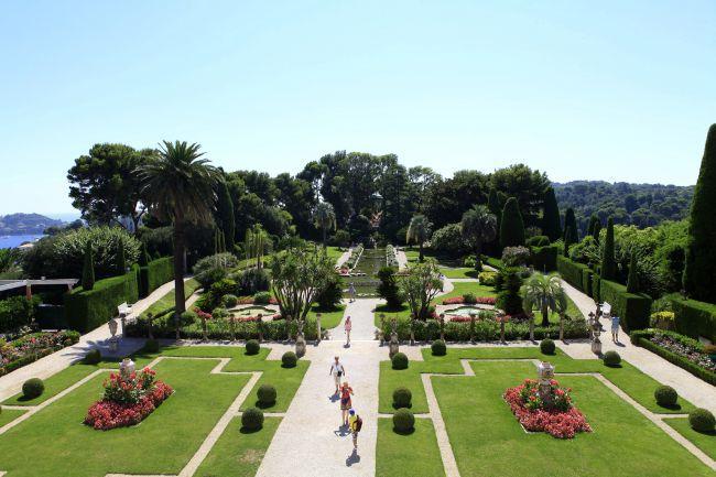 構成が素晴らしい庭園