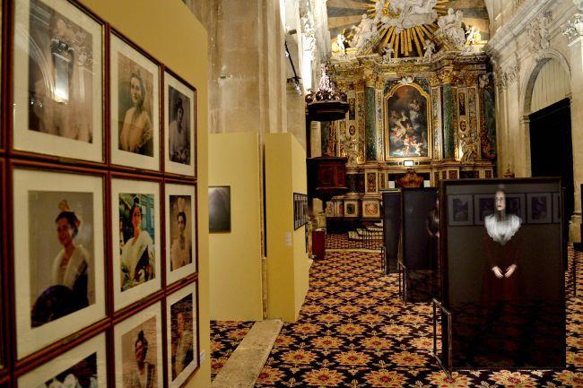 A homenagem de Christian Lacroix à mulher Arlesiana