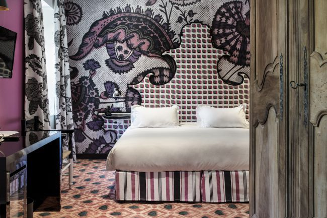 Christian Lacroix renova o Hotel Jules César !