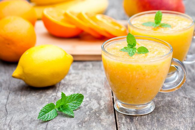 冰沙:九月排毒果汁的3种配方