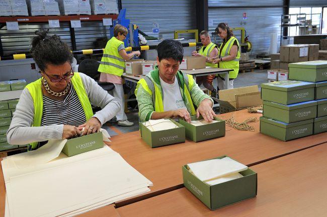 L'Occitane 禮盒的製作過程