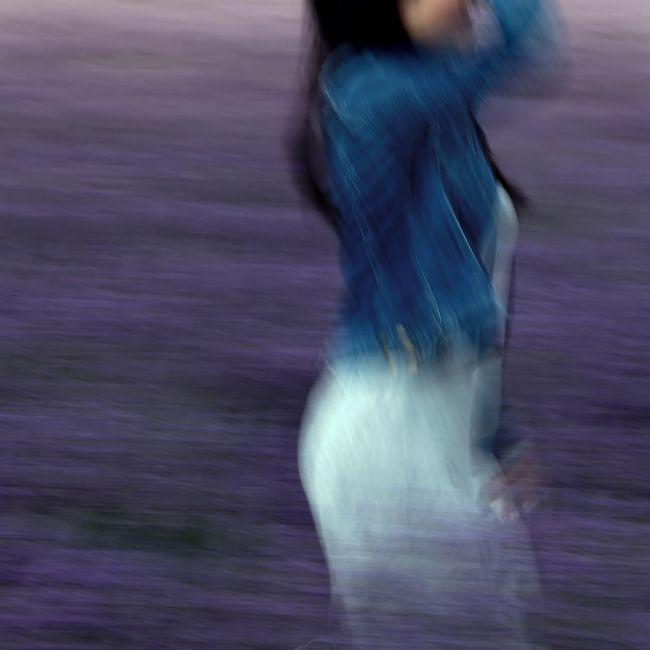 《薰衣草田中的女子》 - Jean-François Mutzig 舉辦令人陶醉的展覽